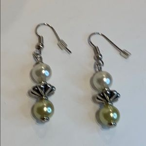 🎁 NEW Handcrafted Faux Pearl Earrings !!!!